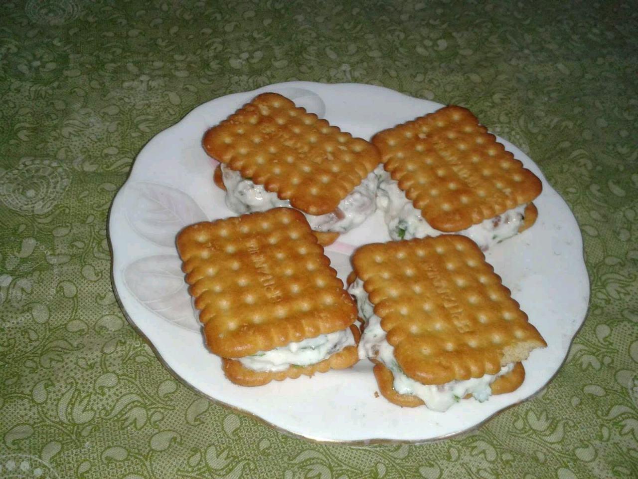Biscuit Sandwich