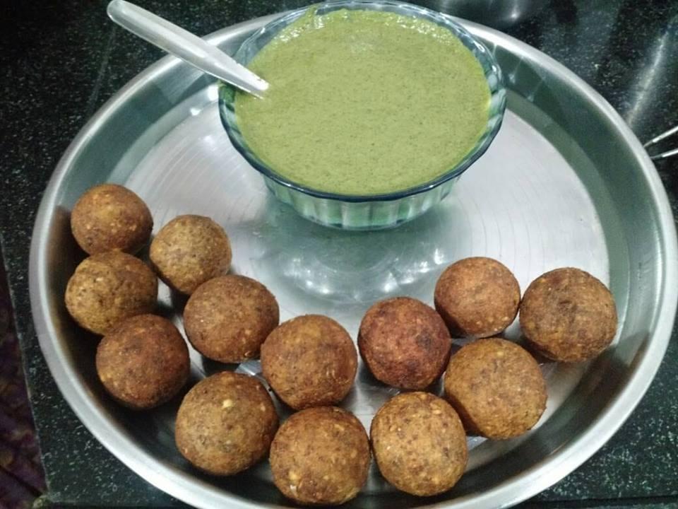 Healthy horse gram kabab with dahi-coriander chutney