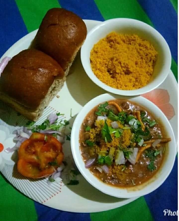 Misal Pav-Street food