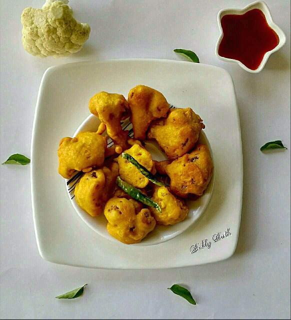 Gobi Pakoda / Cauliflower Fritters