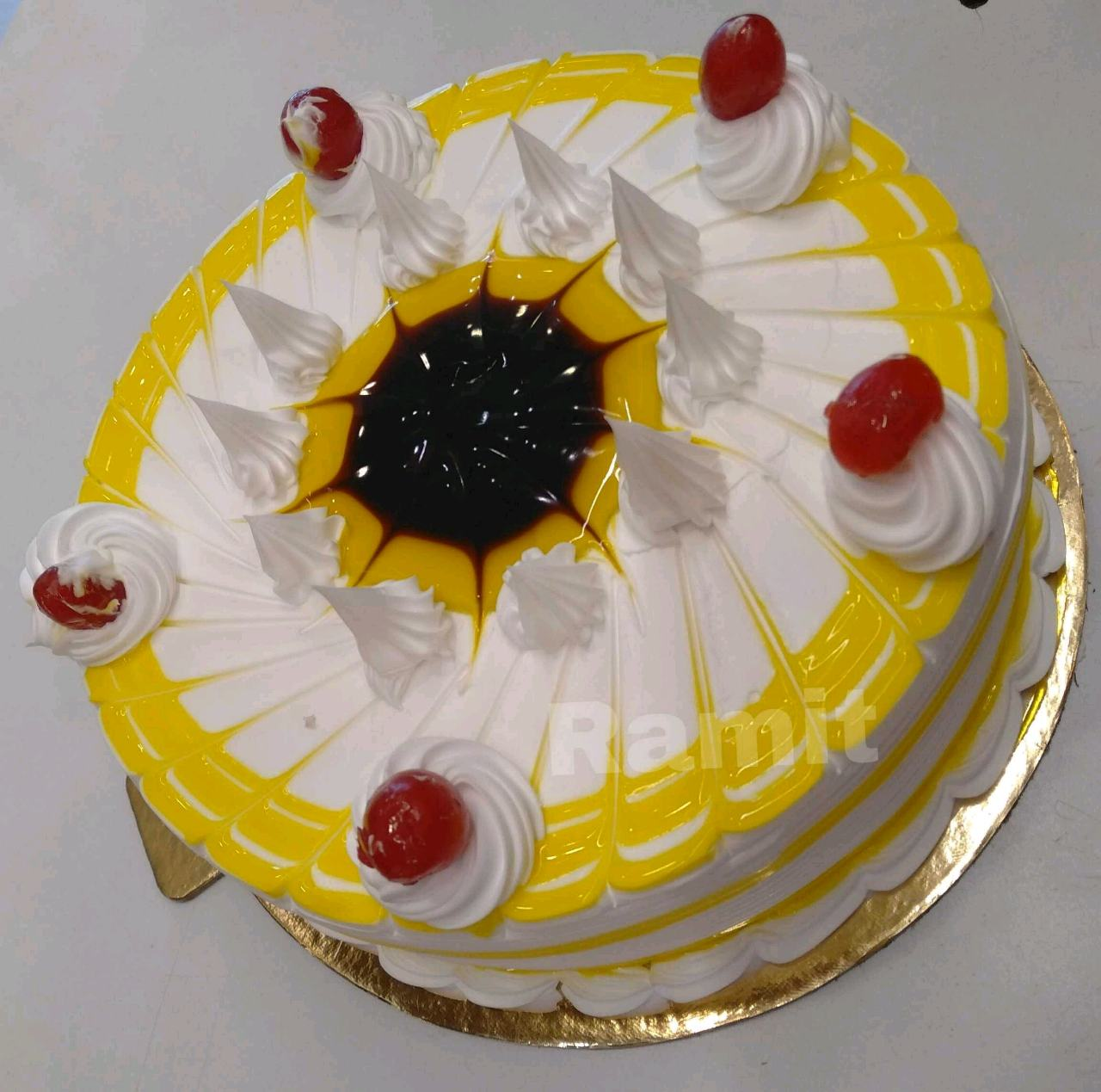 Eggless Pineapple Jelly Cake