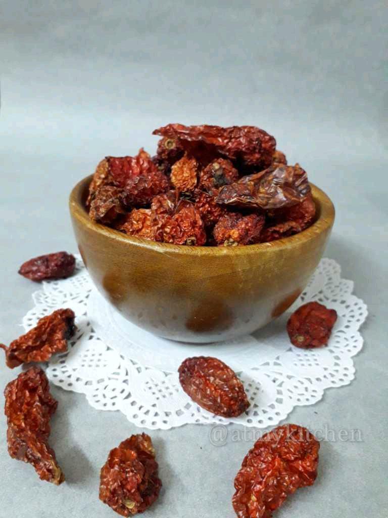 Sun Dried King Chilly / Sun Dried Naga Raja Mircha