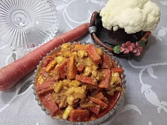 Cauliflower & Carrots Sweet & Sour Pickle
