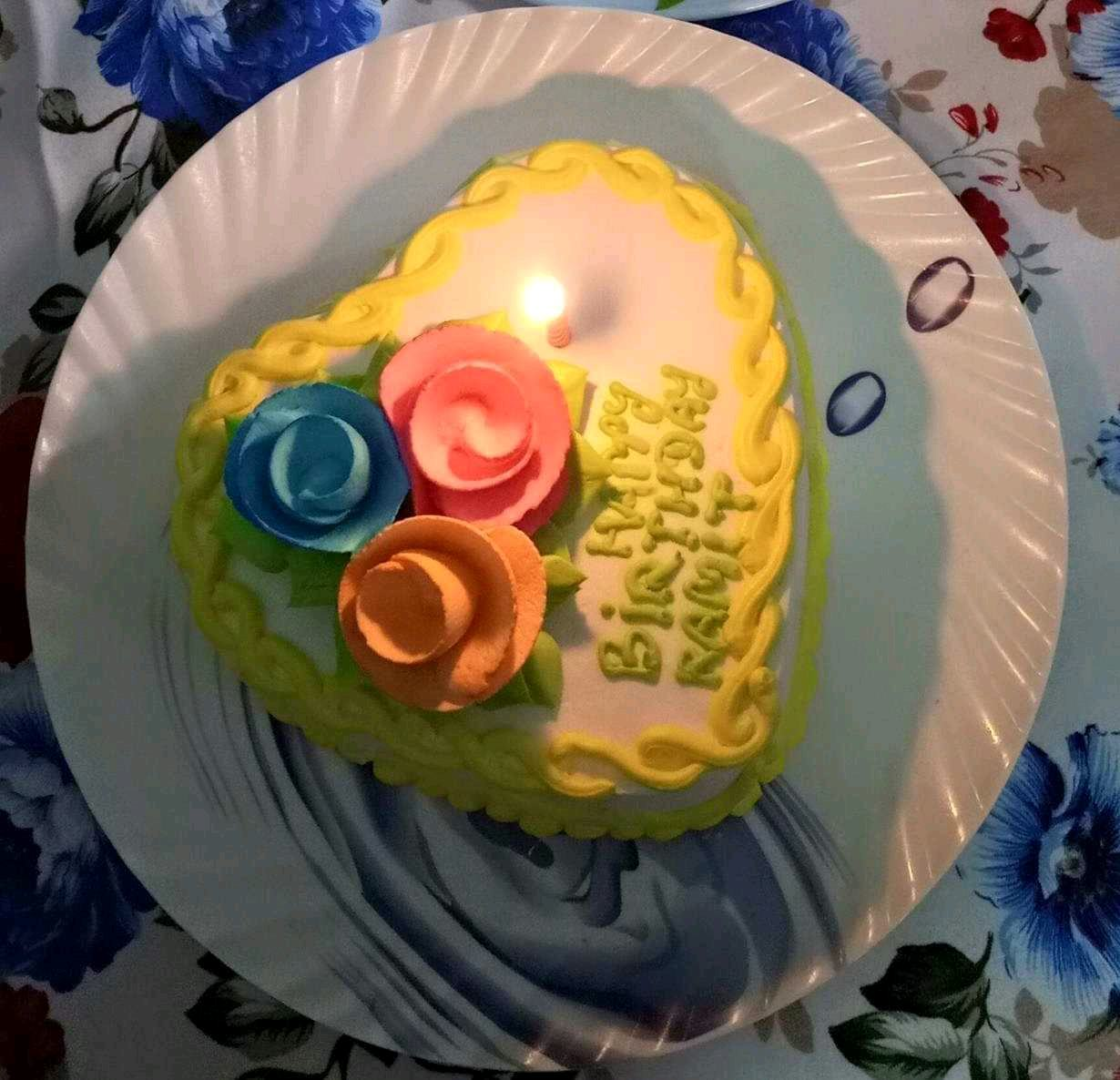 Pineapple Cake (My Own Birthday Cake Made By Me Itself)