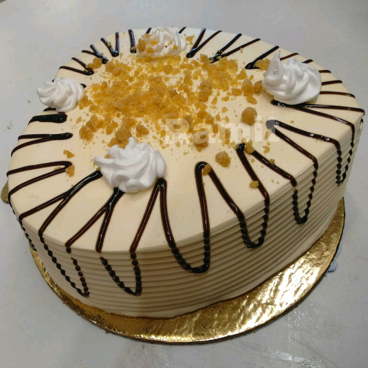 Caramel Crunch Cake Topped With Chocolate Jelly