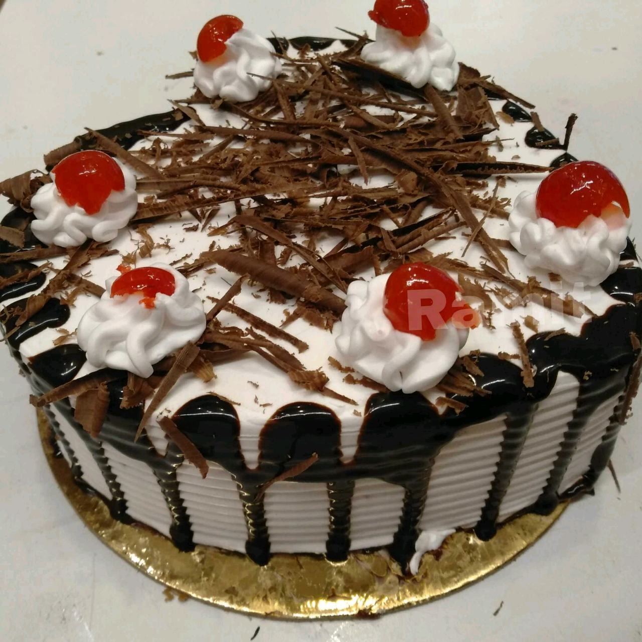 BlackForest (Heart Shaped With Eggs And Sides Combed, Go Through The Picture)