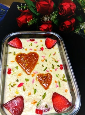 Strawberry Firni pudding With Nutty Caramelised Heart: