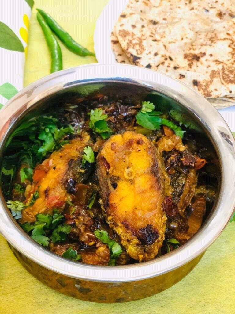Seyal Fish( Fish In Onion And Tomato Base)