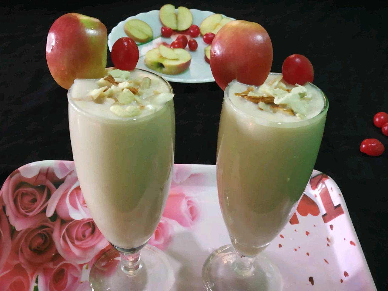 Apple 🍎cherry 🍒milk Shake 🍹🍹🍷🍷