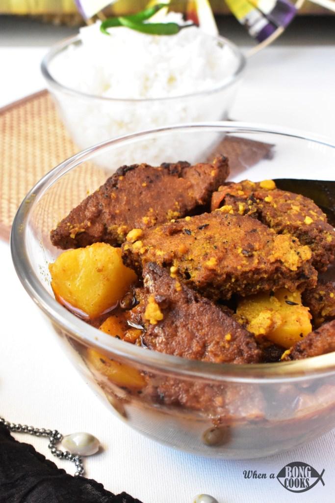 Dhokar Dalna (Bengali Lentil Cake Curry)