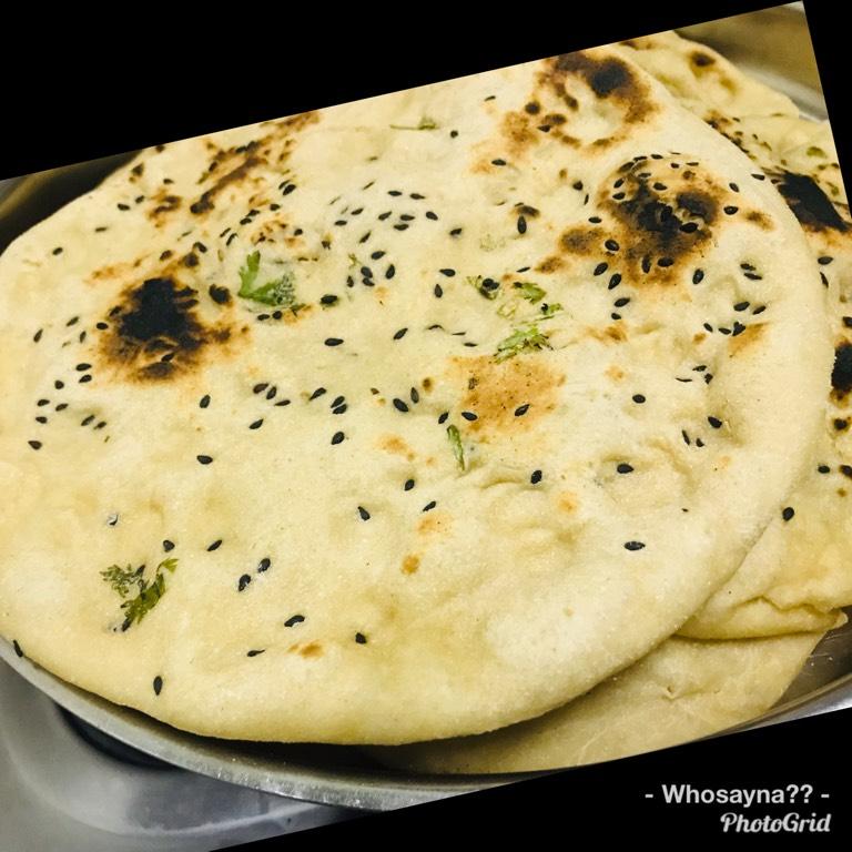 Whosayna's Amritsari Garlic Kulcha