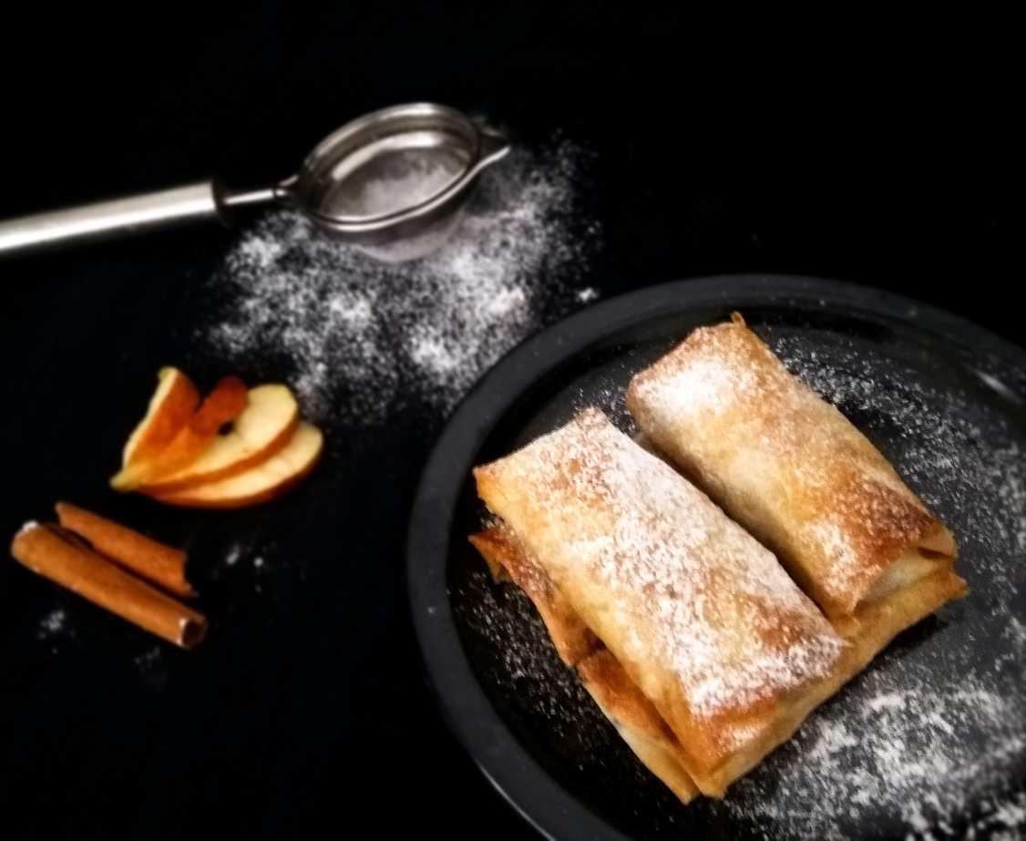 Baked Apple Pie Rolls