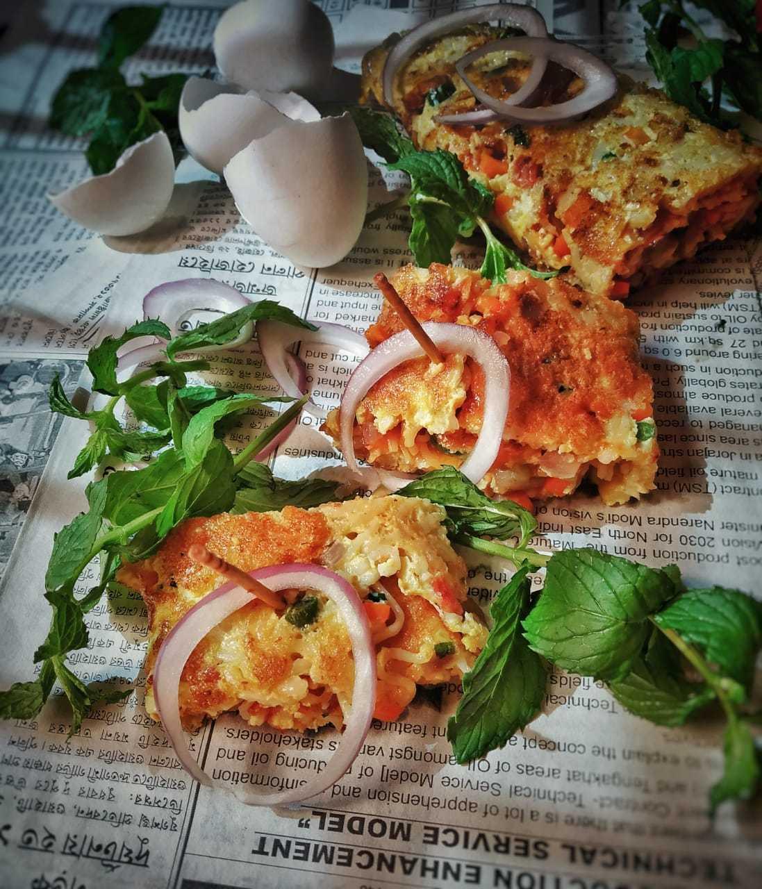 Maggi Omelette Roll