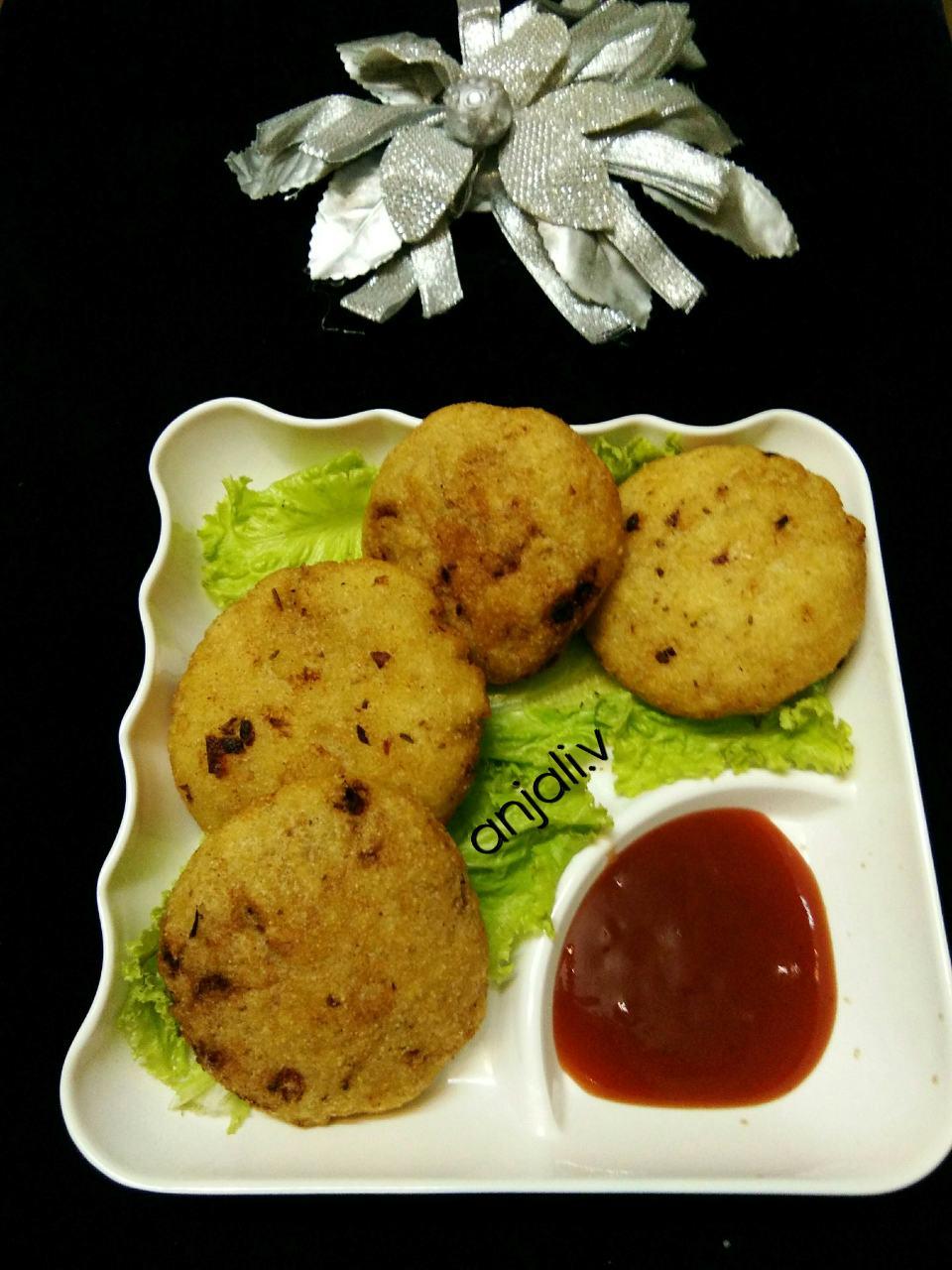 Potato Stuffed Semolina Kachori