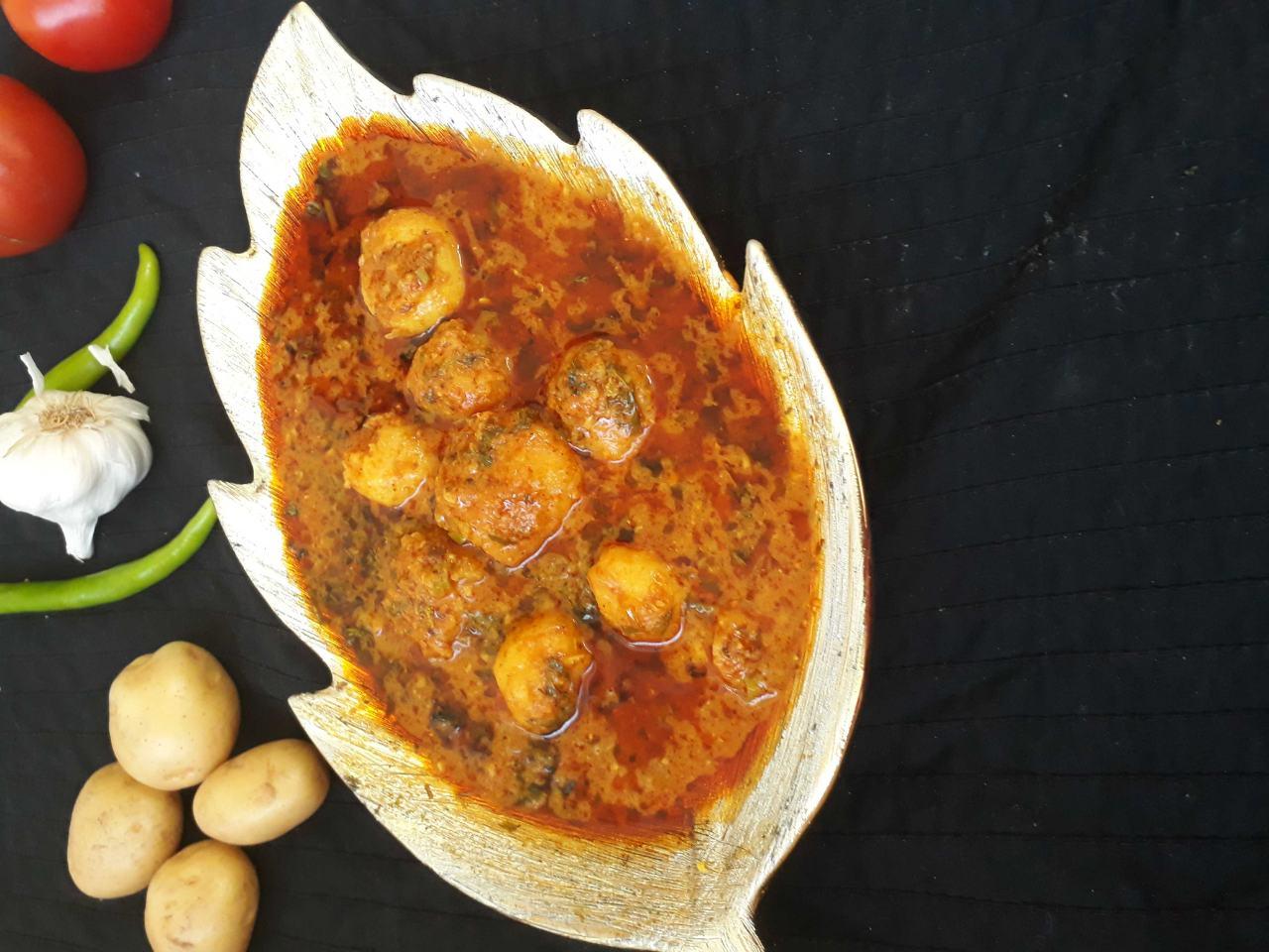 Dum Aalu In Dahi(curd) Ki Gravy