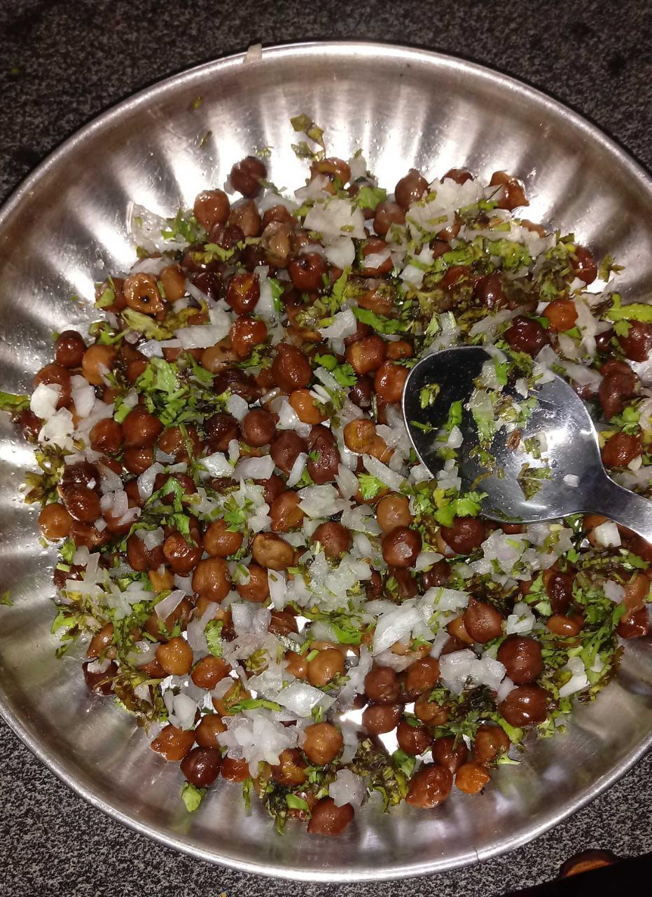Black Chana Salad