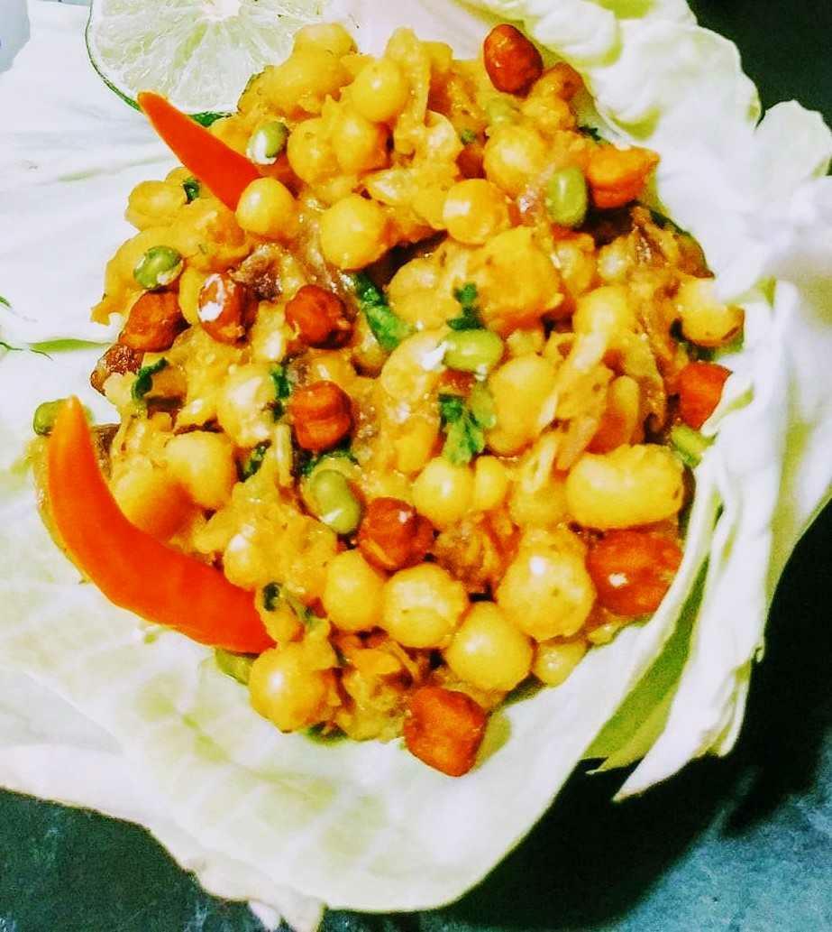 White Peas Salad In Basket