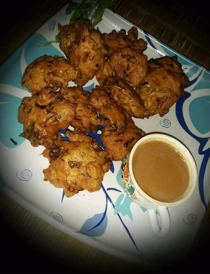 Peyaji Or Bengali Style Onoin Fritters