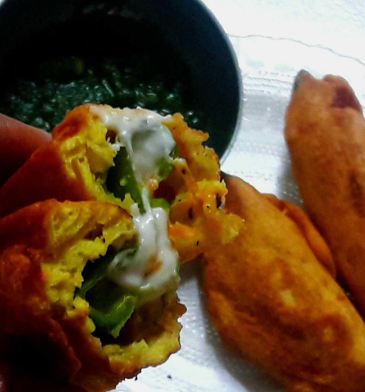 Cheesy Mirch Pakoda