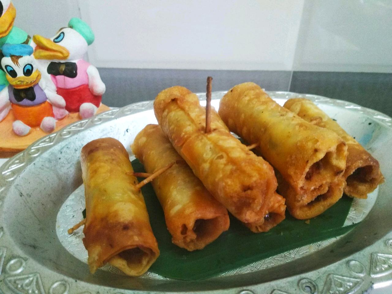 Potato Paneer Motor Samosa Roll.Try To Make It More Interesting By Givingvit An Interesting Look