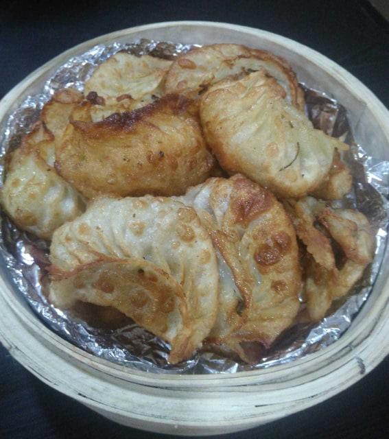 Chicken fried momos