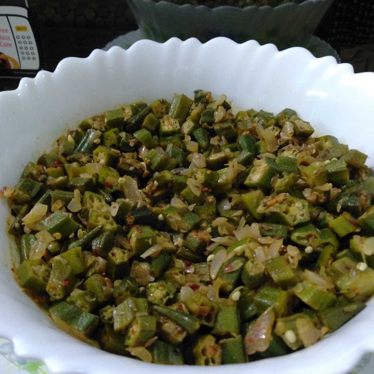 Spicy Bhindi........  Yummilicious Spicy Bhindi made with innovation using fennel and fenugreek seeds, hope you will like it.