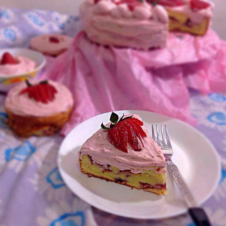 Classic Pound Cake with Strawberry Cream Cheese Yogurt Frosting