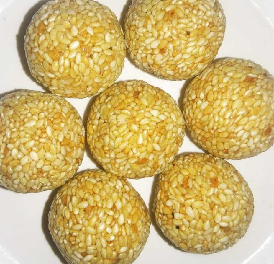 Microwave Sesame Seeds Laddoos