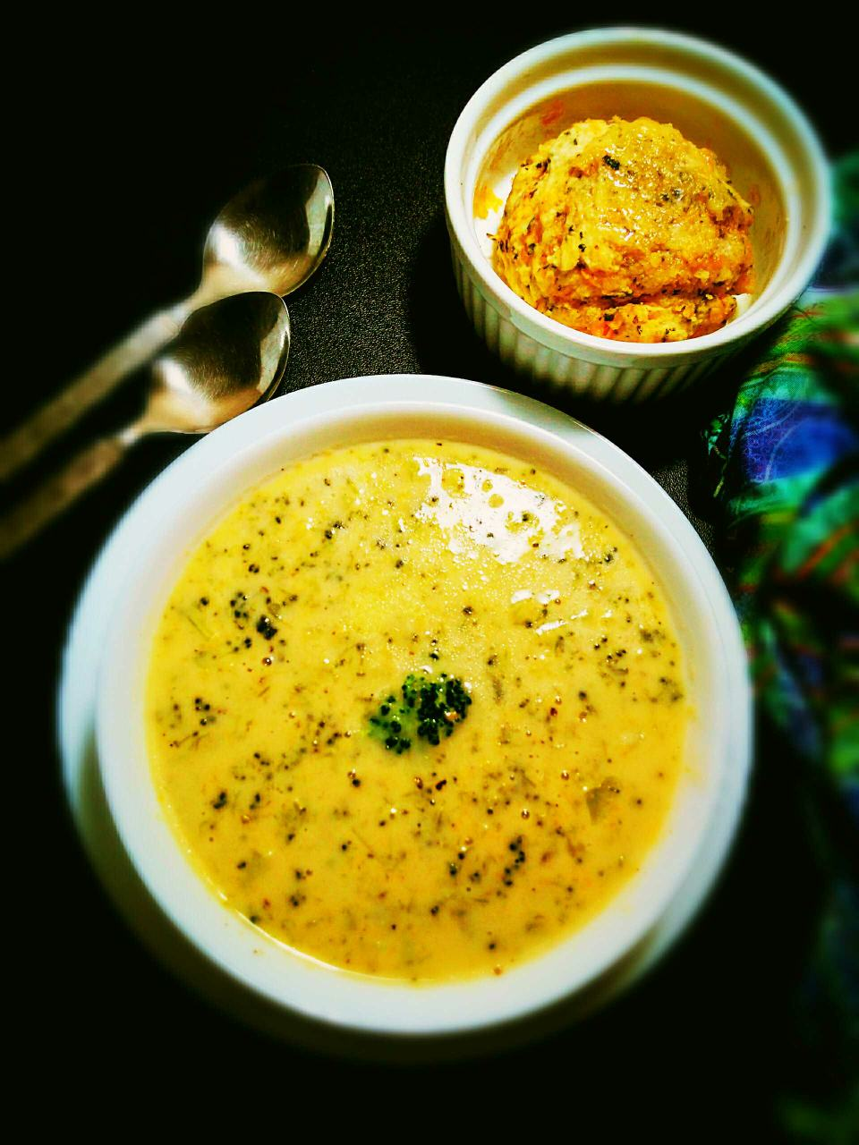Microwave Broccoli Cheddar Soup with microwave cheese bread