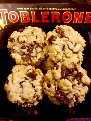 Chocolate-Cashew Nut-Coconut Cookies