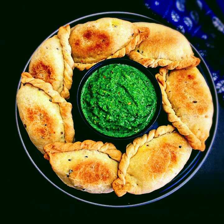 Peas Corn & Paneer Savory Karanji With Green Chutney