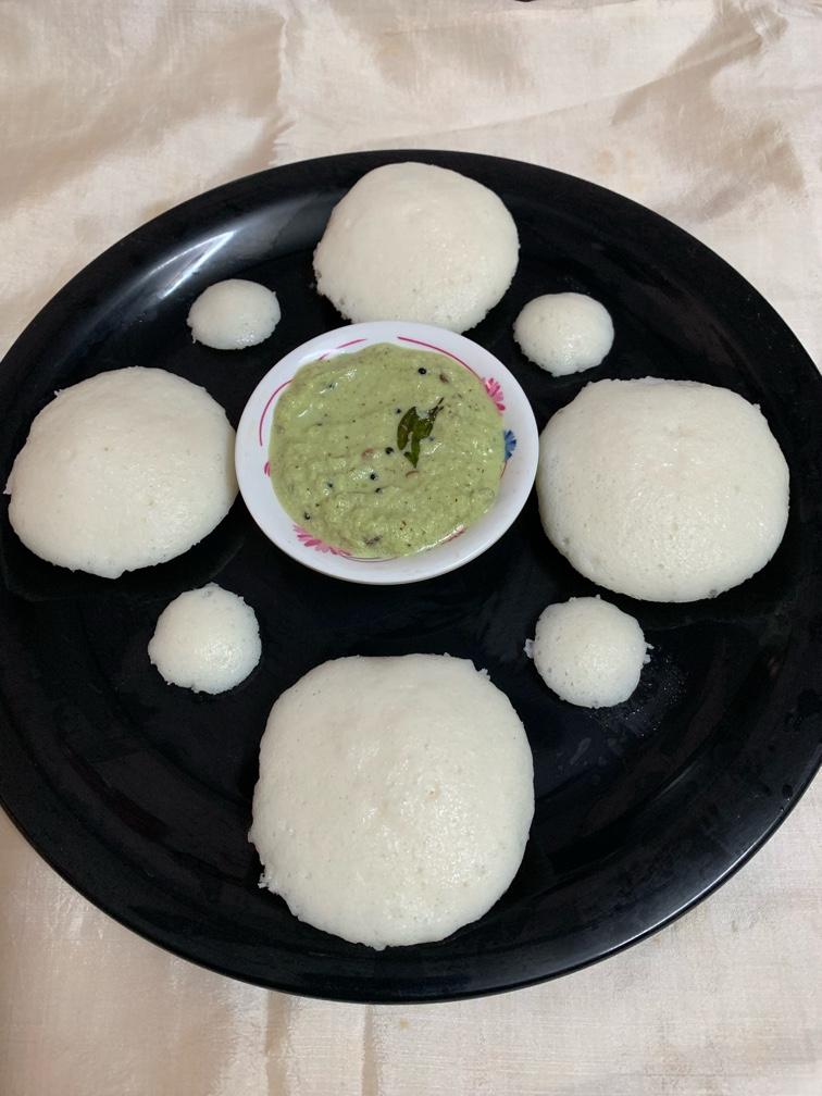 idli with coriander chutney