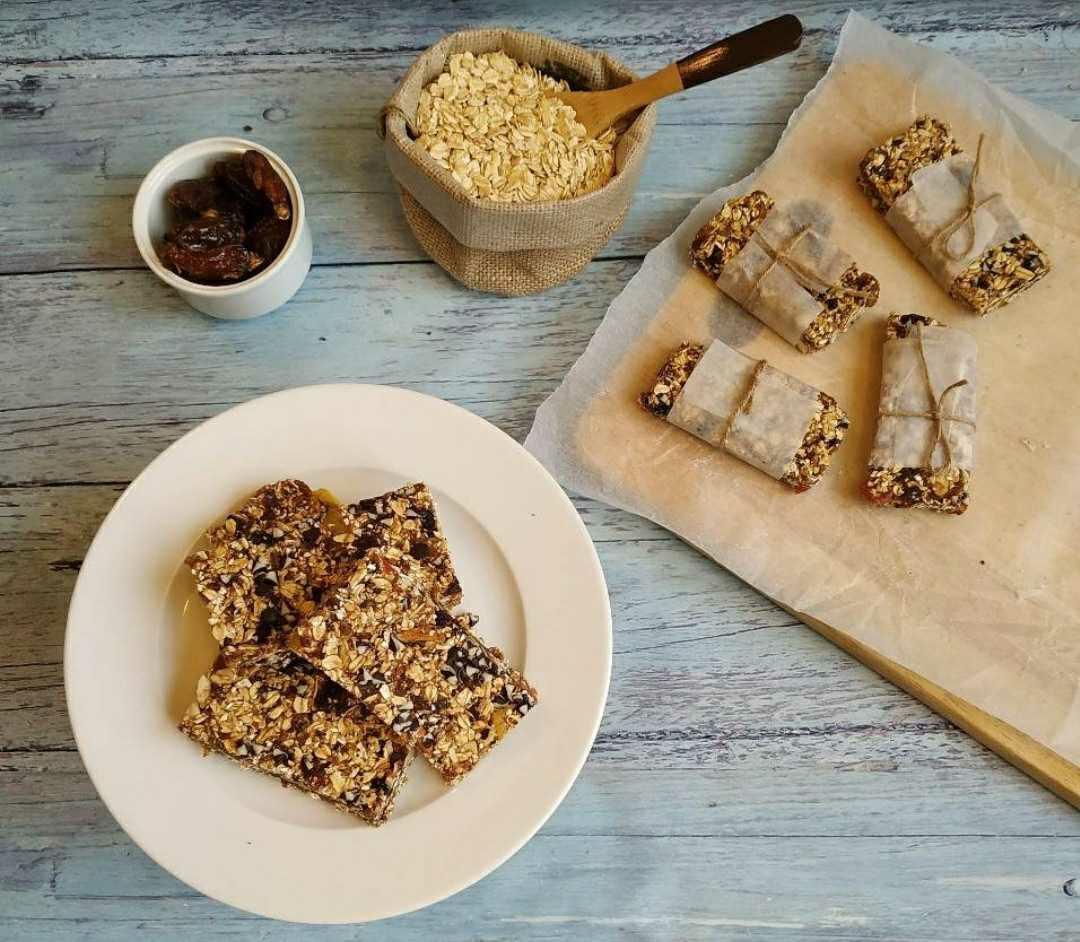 No-bake granola bar(with gulukand)