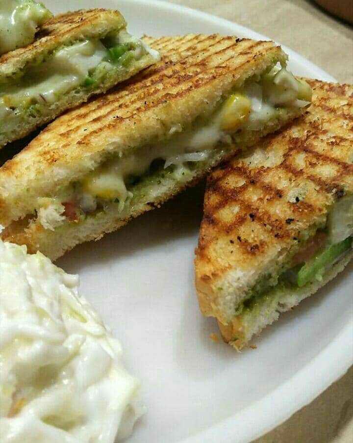 Grilled Chatpata Pudina Sandwich