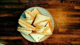 CHICKEN CORIANDER SANDWICH