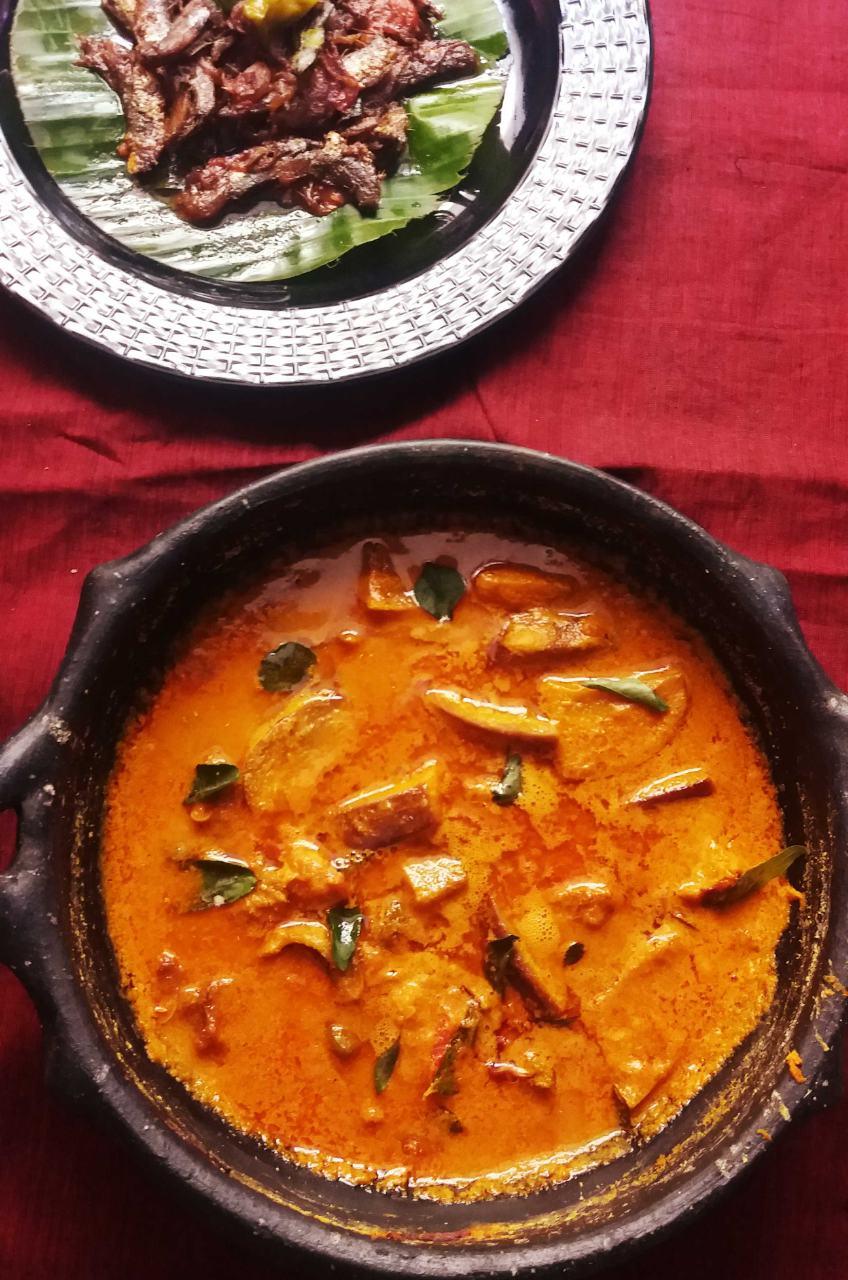 Dry Fish Curry / Karuvattu Kuzhambu