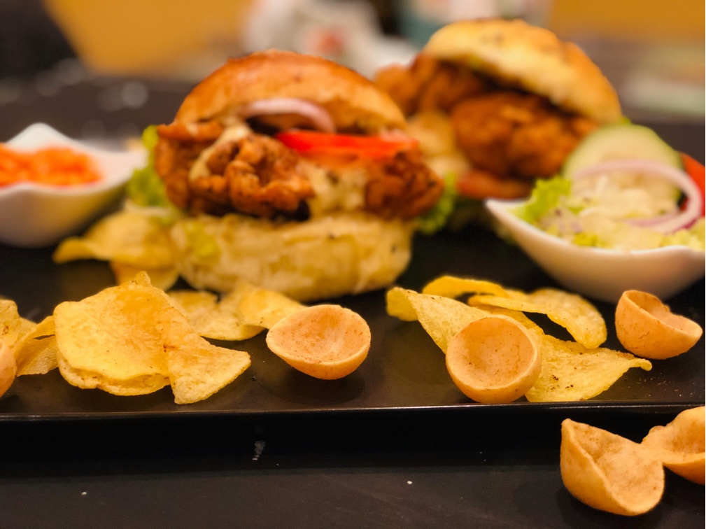 Whosayna's Crispy Chicken Burger