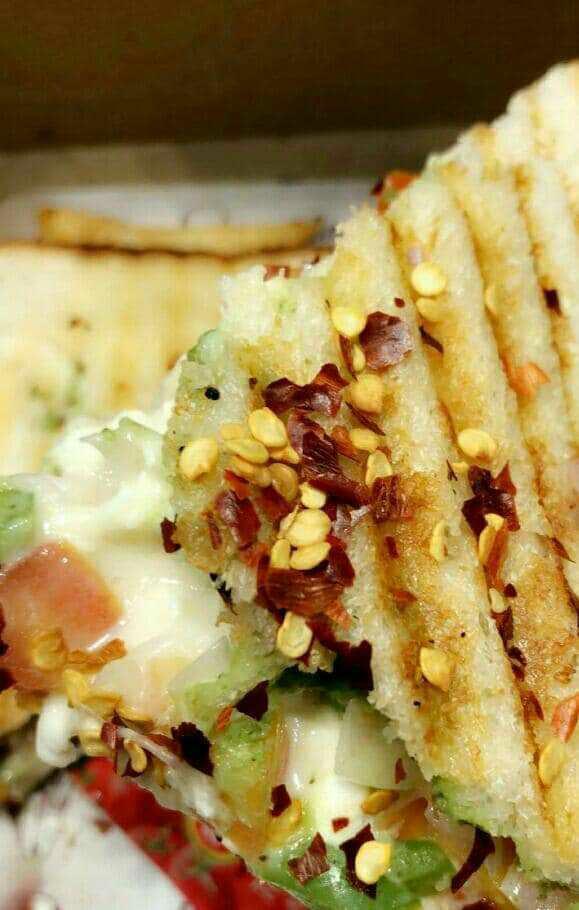 Cheesy Grilled Sandwich