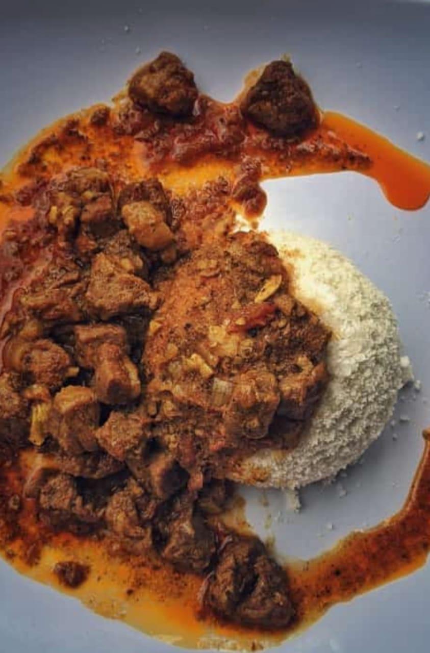 Puttu and beef curry
